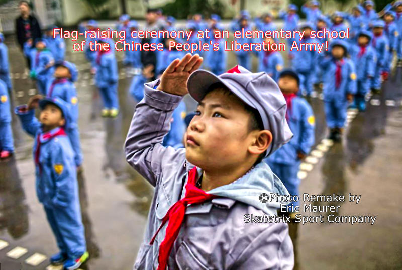 Pupils of an elementary school of the Chinese People's Liberation Army at the early-morning flag ceremony!